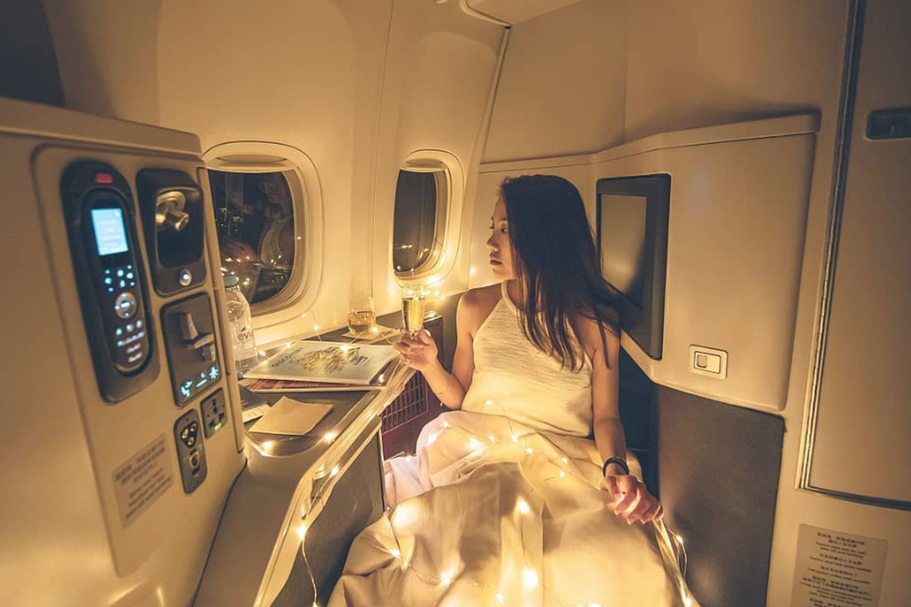 bringing fairy lights on your flight is peak instagram