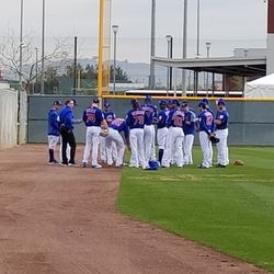 Cubs pitchers meet before the workout