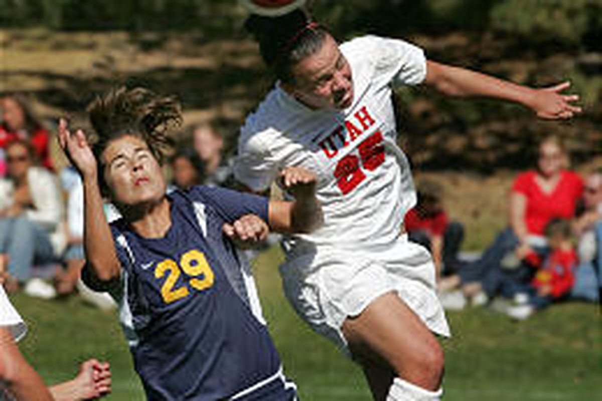 Utah's Amanda Sanchez, right, heads the ball while Cal's Julia Schnuff is trying to defend.