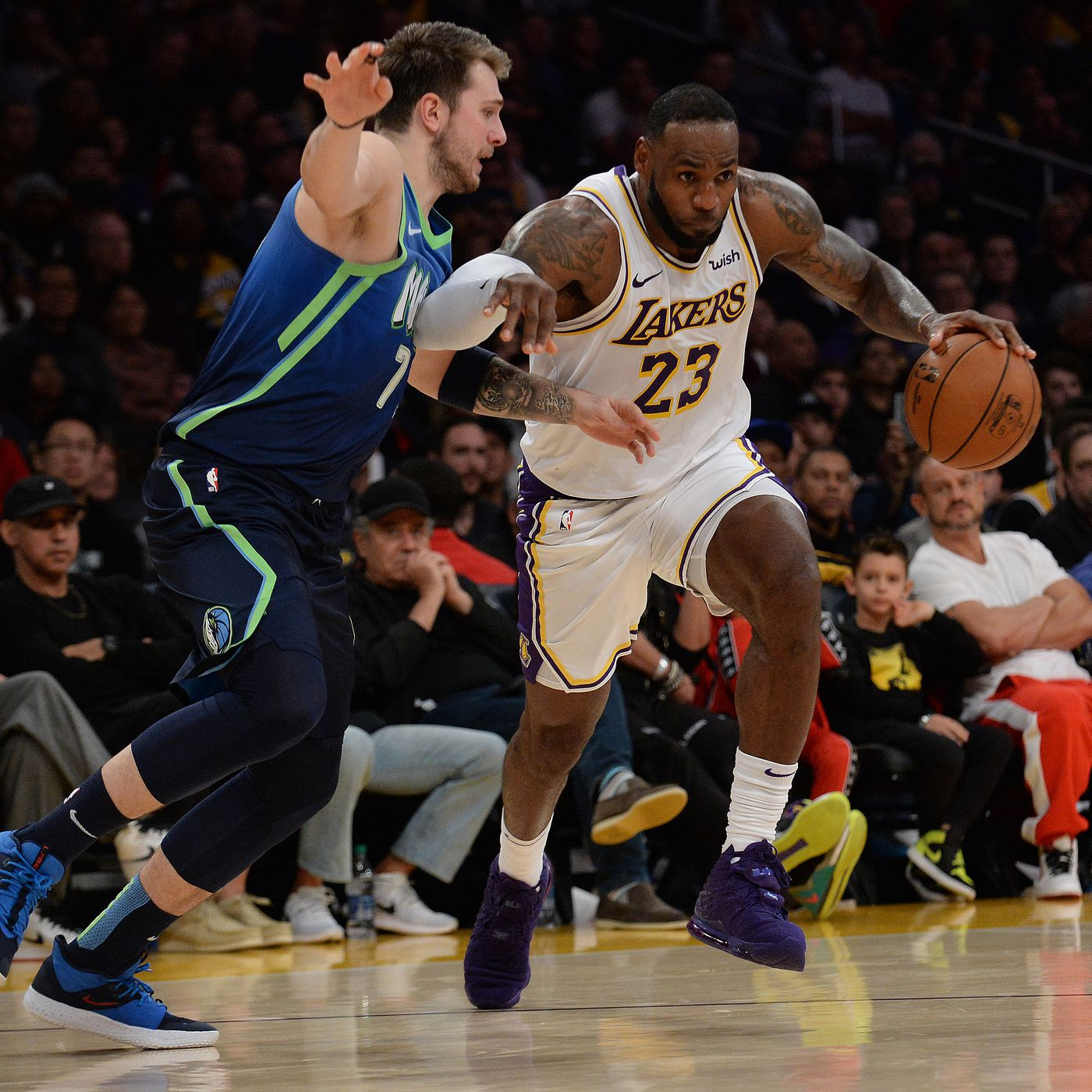 3 Things To Watch For When The Mavericks Take On The Lakers