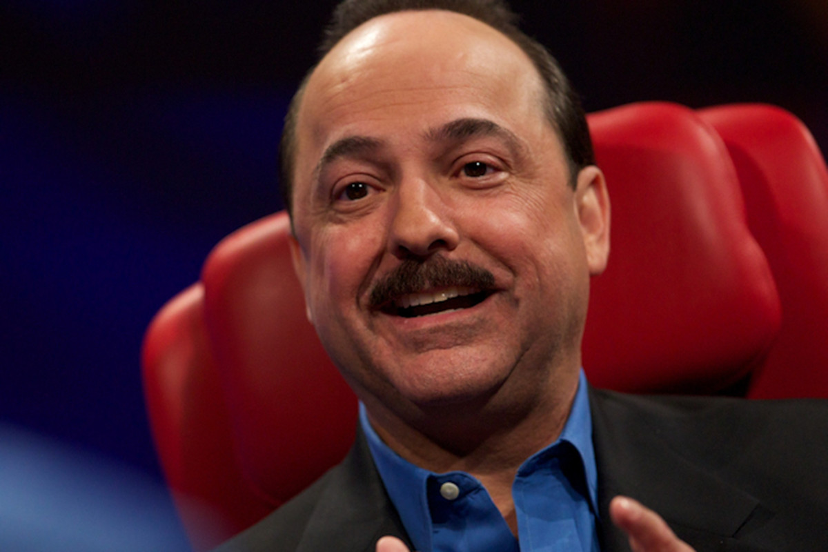 AT&T's Ralph de la Vega: Subsidized Phones Are Going Away