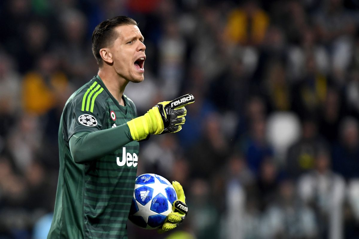 There's nothing to hate about Wojciech Szczesny - Black & White & Read All  Over