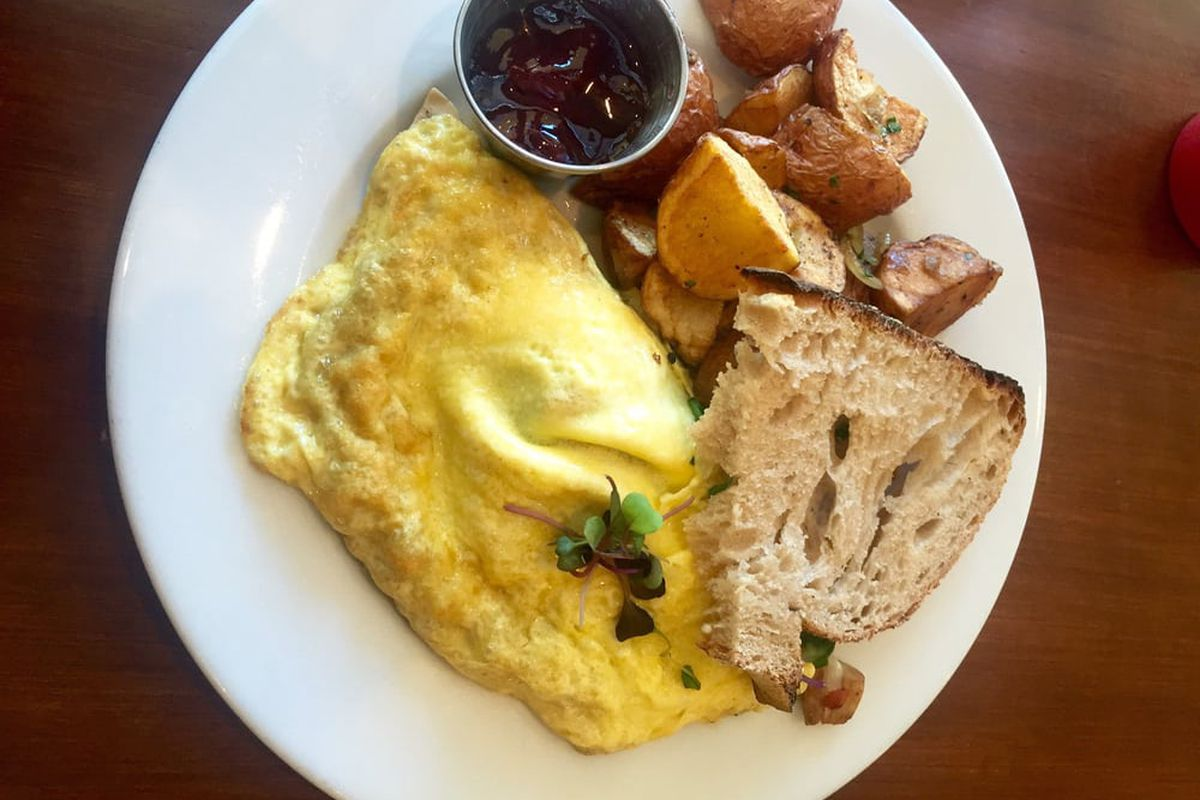 An omelette from Annie's Cafe