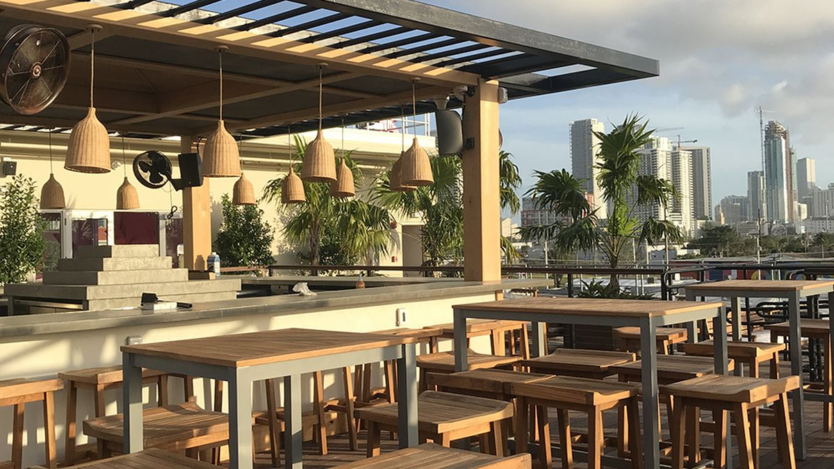 A Greek Inspired Rooftoop Lounge Sets Up Shop In Wynwood