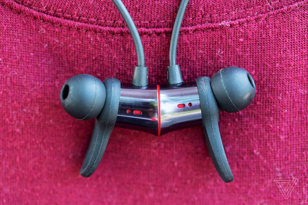 Oneplus Bullets Wireless Review Exceeding Expectations The Verge Defunc Plus Hybrid Corded Earbud Never In All Of My Time Reviewing Earphones Have I Found Those Finicky Winglets Useful