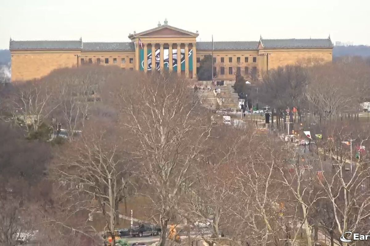 Eagles parade in philly where to watch if you cant make the parade the eagles parade on thursday february 8 will be livestreamed for those who cant make it in person courtesy of earthcam gumiabroncs Gallery
