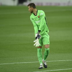 A clean sheet for Neto