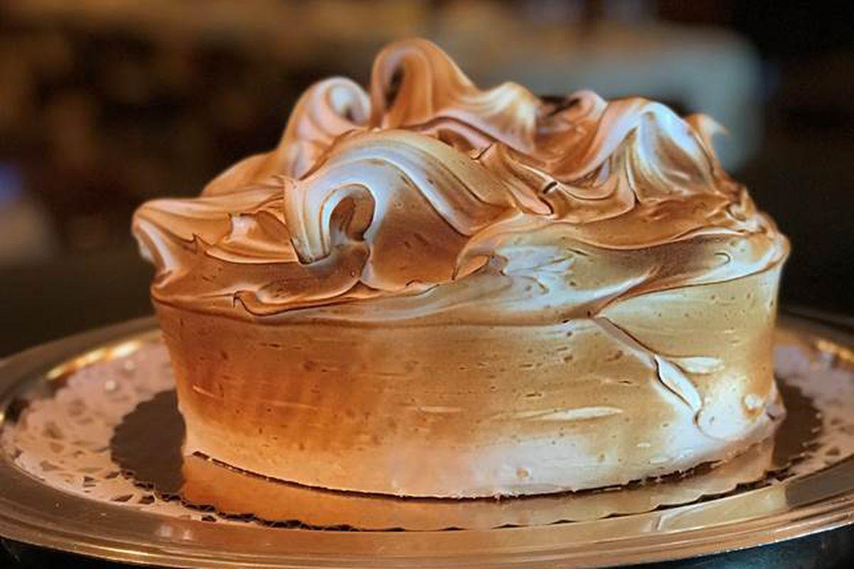 Cipriani's classic vanilla meringue