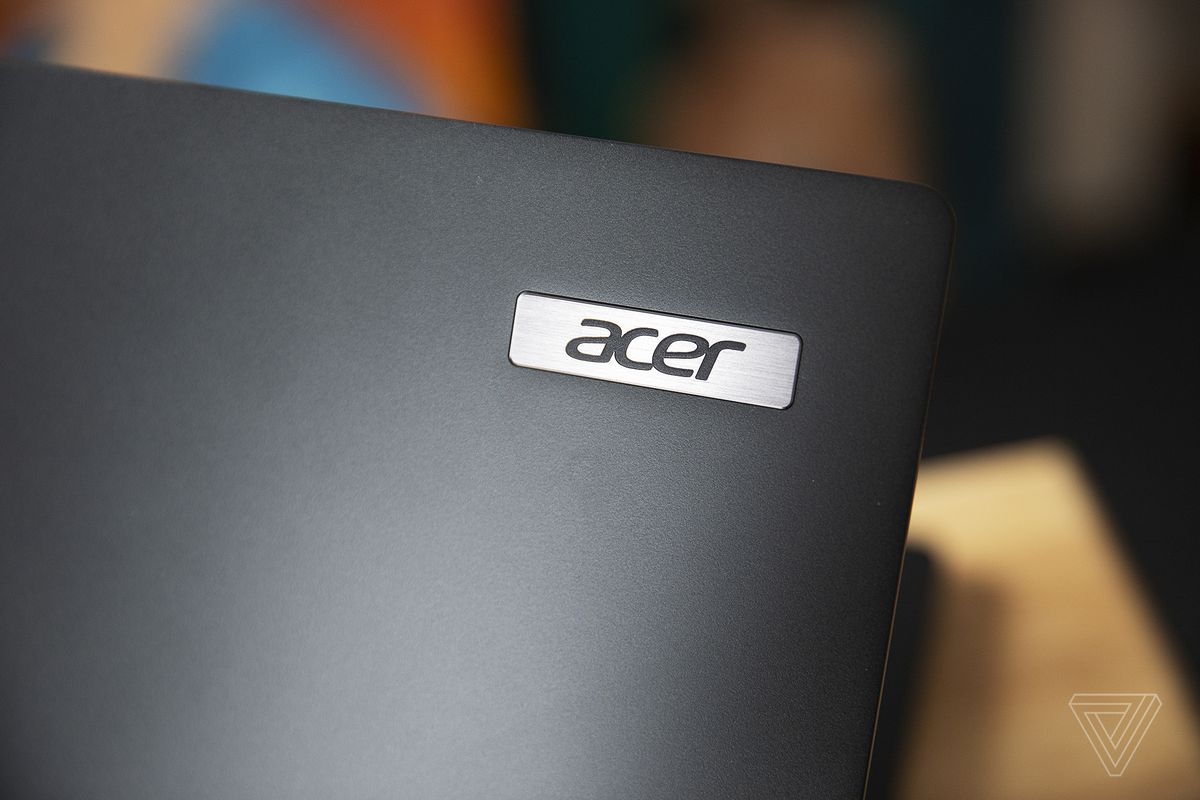The Acer logo on the lid of the Acer Travelmate P6.