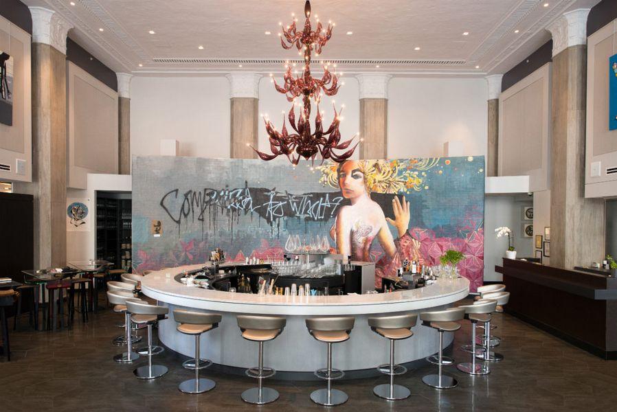 Your Eyeballs Deserve A Look Inside Liquid Art House