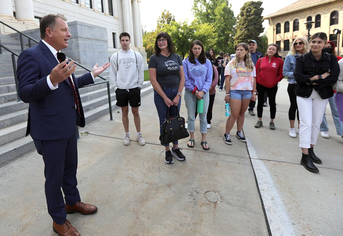 University of Utah President Taylor Randalltalks to a group of prospective and incoming students touring the University of Utah campus in Salt Lake City on Friday, Aug. 20, 2021.