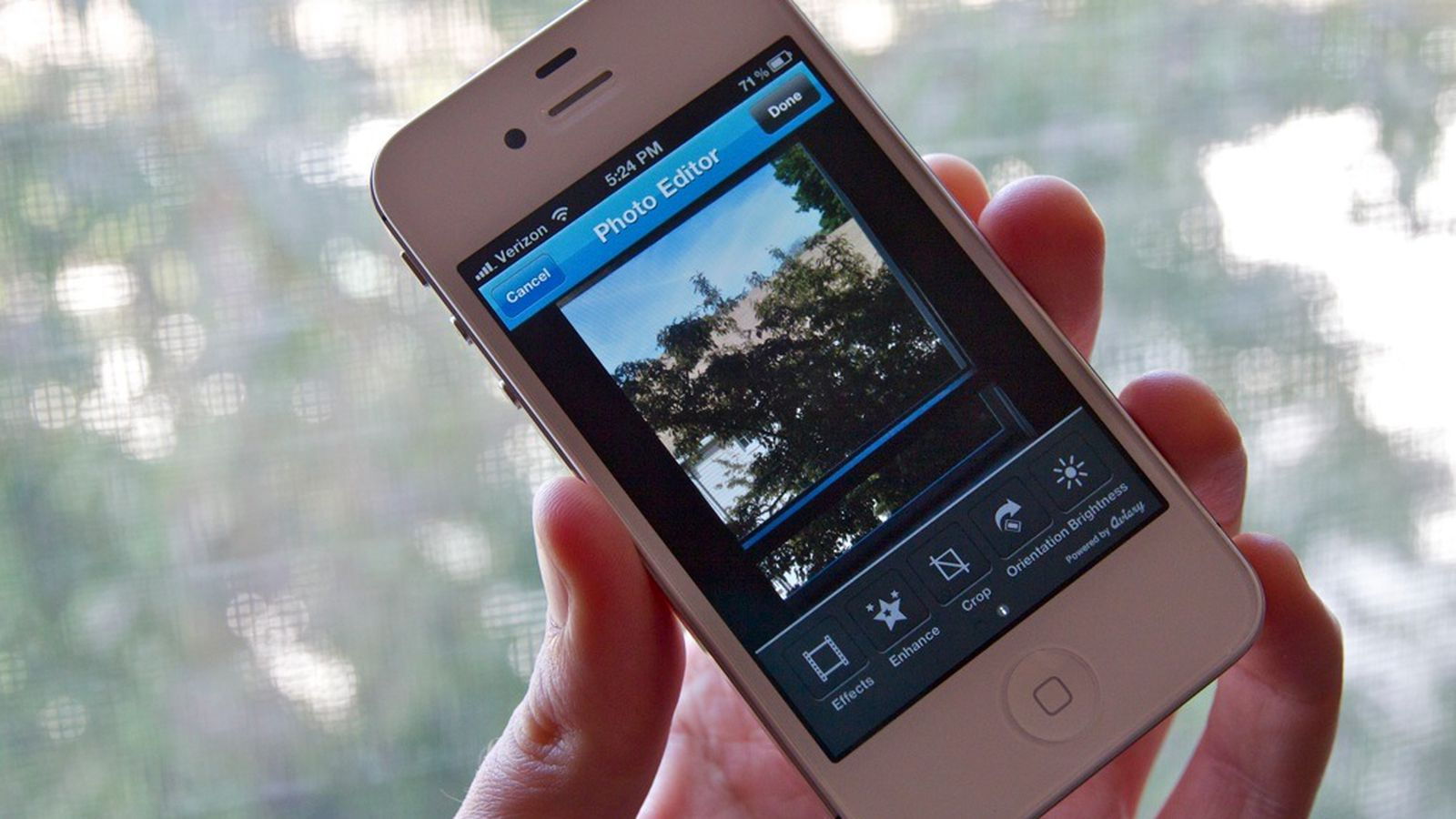 twitpics new iphone app provides yet another way to tweak