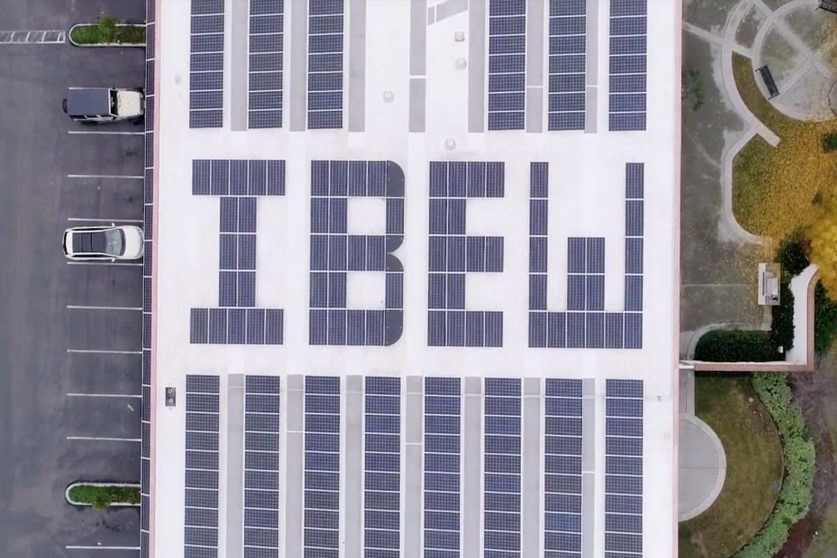 A solar photovoltaic array on top of the International Brotherhood of Electrical Workers Local 332 union hall in San Jose, California. Some labor unions have recently come out against aggressive clean energy proposals like the Green New Deal, while others
