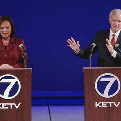U.S. Senate candidates from Nebraska, Republican Deb Fischer, left, and Democrat Bob Kerrey hold their second debate in Omaha, Neb., Friday, Sept. 28, 2012.