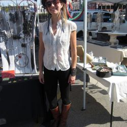 This is Alison, of Beatrice Holiday, a company that makes supercute bags and accessories that are recycled from old bike parts.
