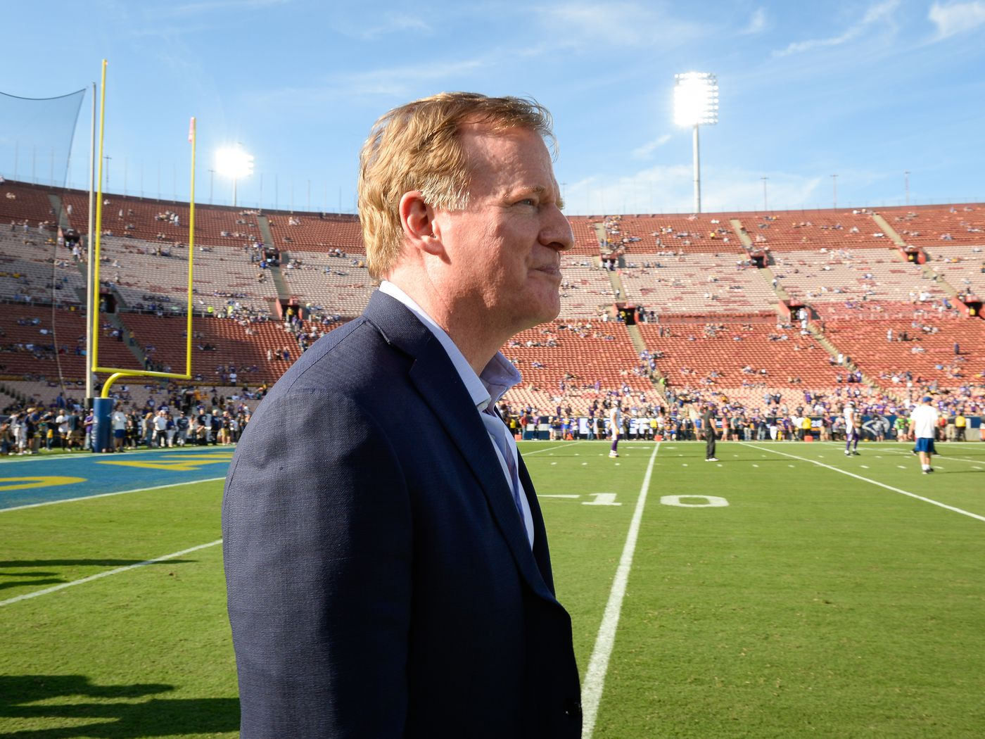 0b8e97cdd0eab LA Rams and KC Chiefs players considering not playing in Mexico City - Turf  Show Times