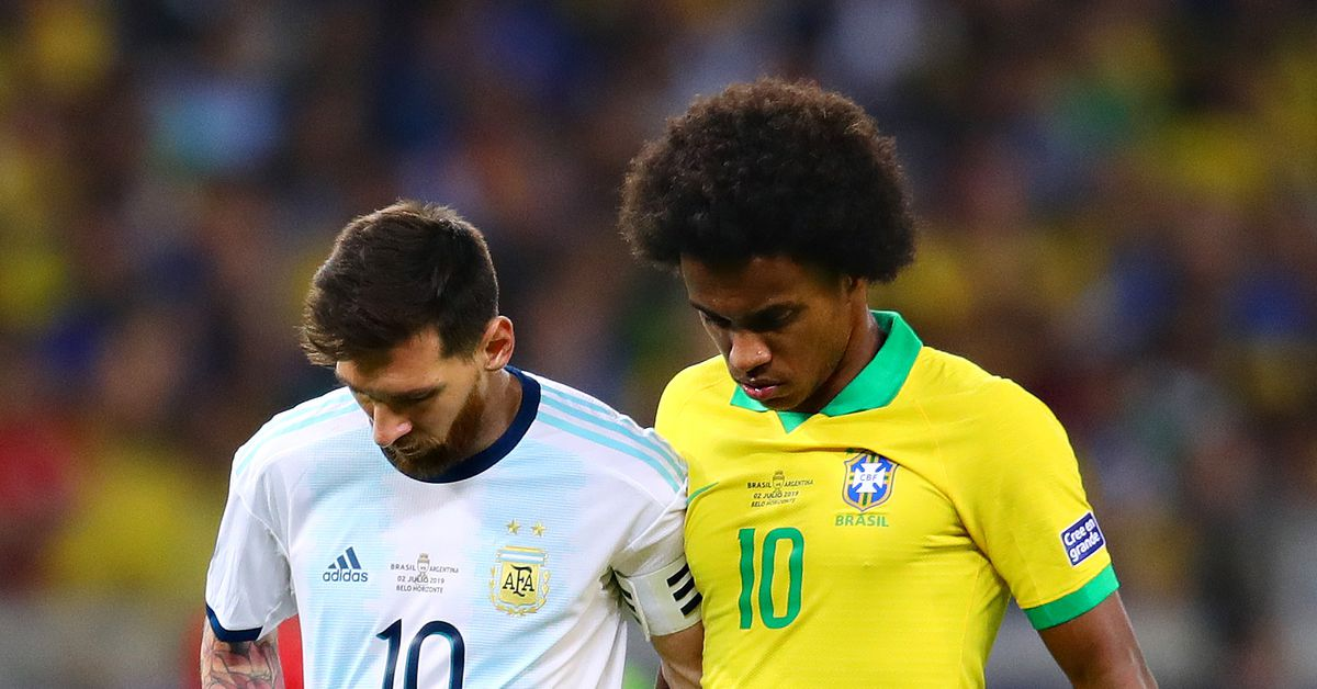 Willian tells Brazil how to handle Lionel Messi threat