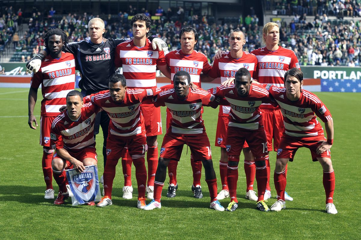 PORTLAND, OR - APRIL 17: The starting eleven of FC Dallas pose before the game against the Portland Timbers at Jeld-Wen Field on April 17, 2011 in Portland, Oregon. The Timbers won the game 3-2.(Photo by Steve Dykes/Getty Images)