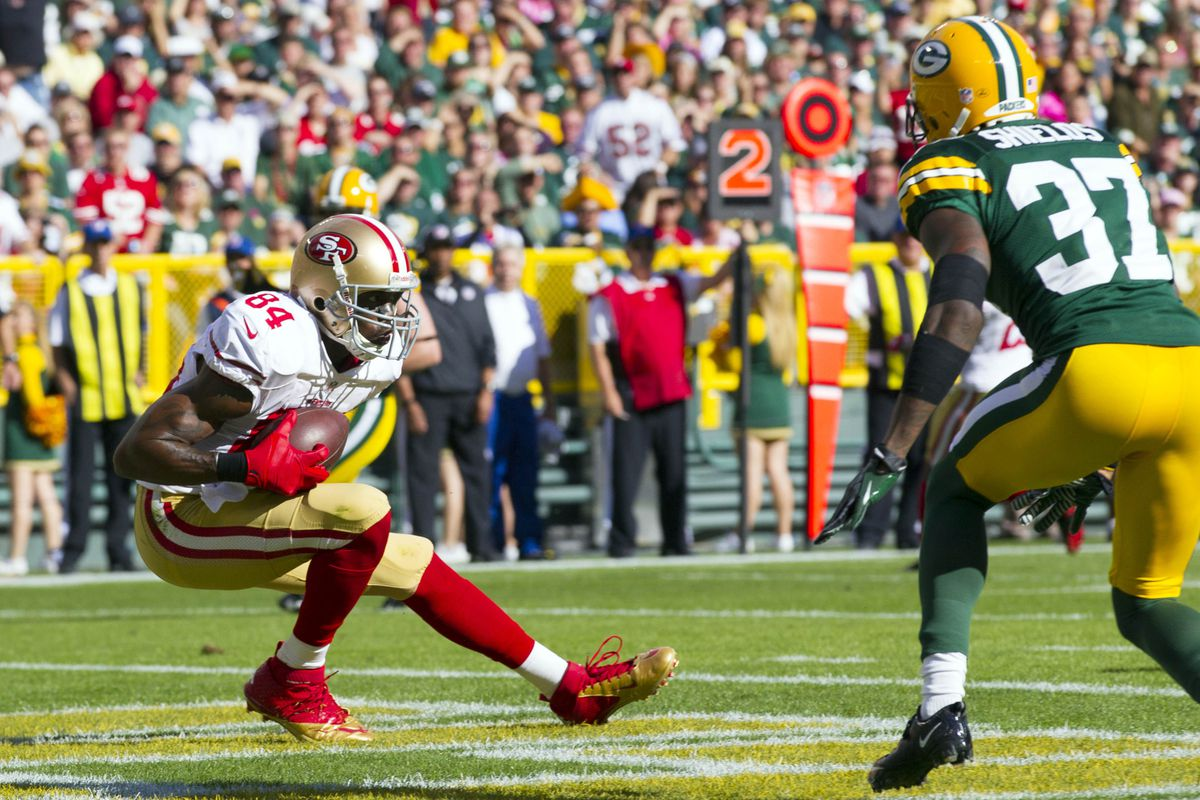4a5040d57ee Randy Moss Finds the End Zone in 49ers Debut  Fantasy Implications. San  Francisco 49ers wide receiver ...