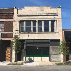 Roseland Michigan Avenue Commercial District, 176 acres of commercial, residential and institutional properties along Michigan Avenue in the Roseland and West Pullman, is among the seven endangered places listed by Preservation Chicago Wednesday.