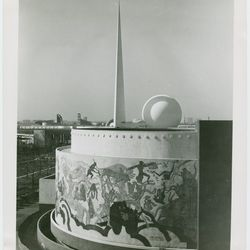 """The Food Building, framed by the Trylon and the Perisphere via the <a href=""""http://digitalgallery.nypl.org/nypldigital/dgkeysearchdetail.cfm?trg=1&strucID=1797967&imageID=1673249&word=1939%20World%27s%20Fair%20food&s=1&notword=&d=&c=&f=&k=0&lWord=&lField="""