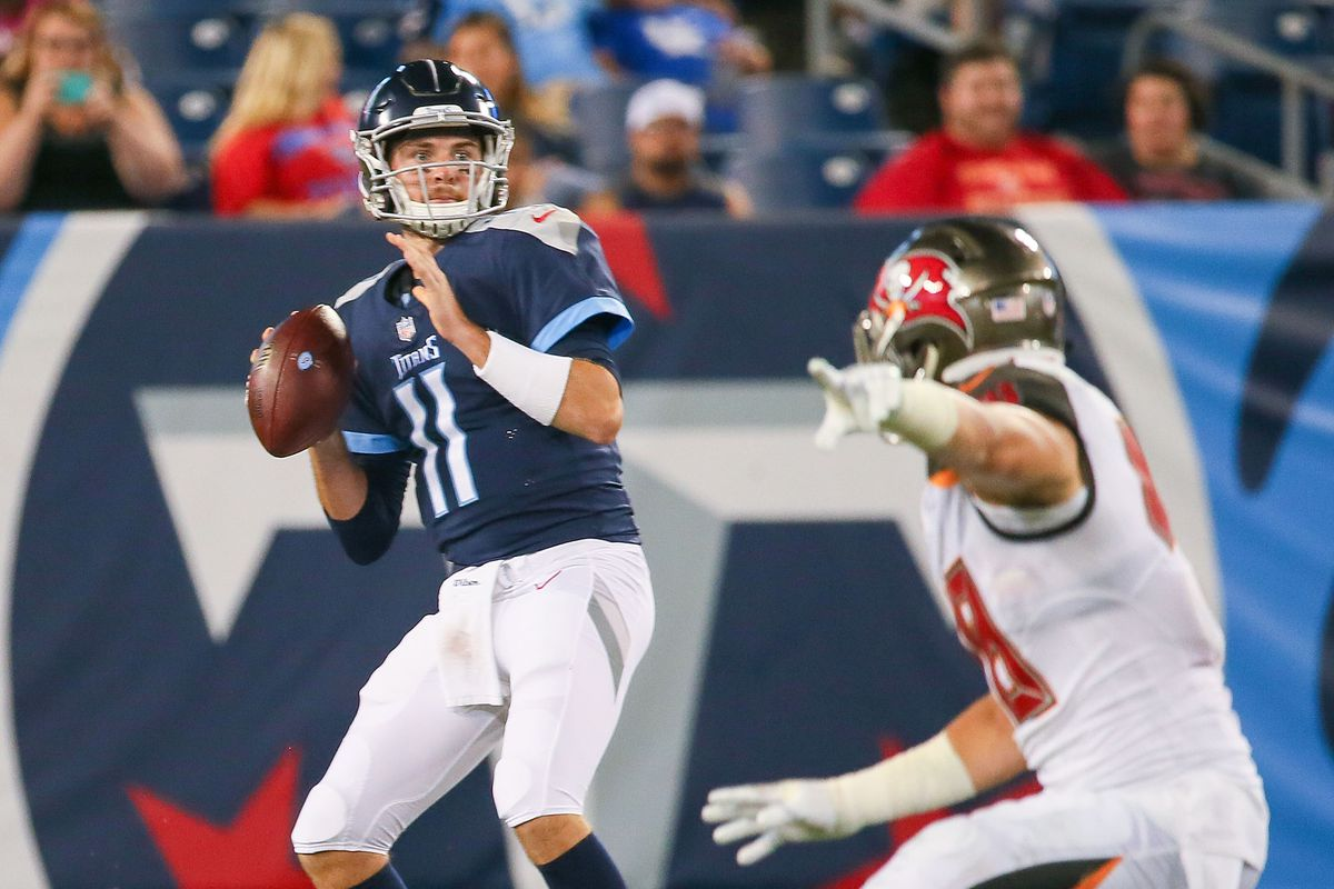 Tampa Bay Buccaneers v Tennessee Titans