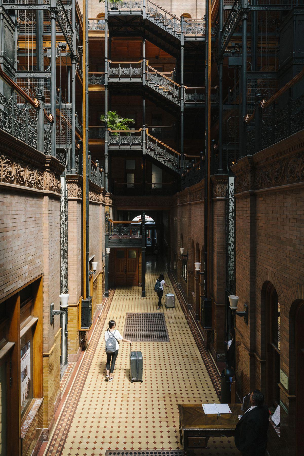 The Bradbury Building Offscreen Curbed La