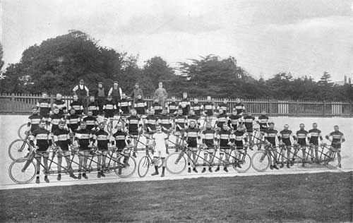 The Dunlop Pacing team and their Ariel quints. The rider in white is Hull's JW Stocks, himself a holder of the paced Hour record in 1893, the first man to take it above forty kilometres