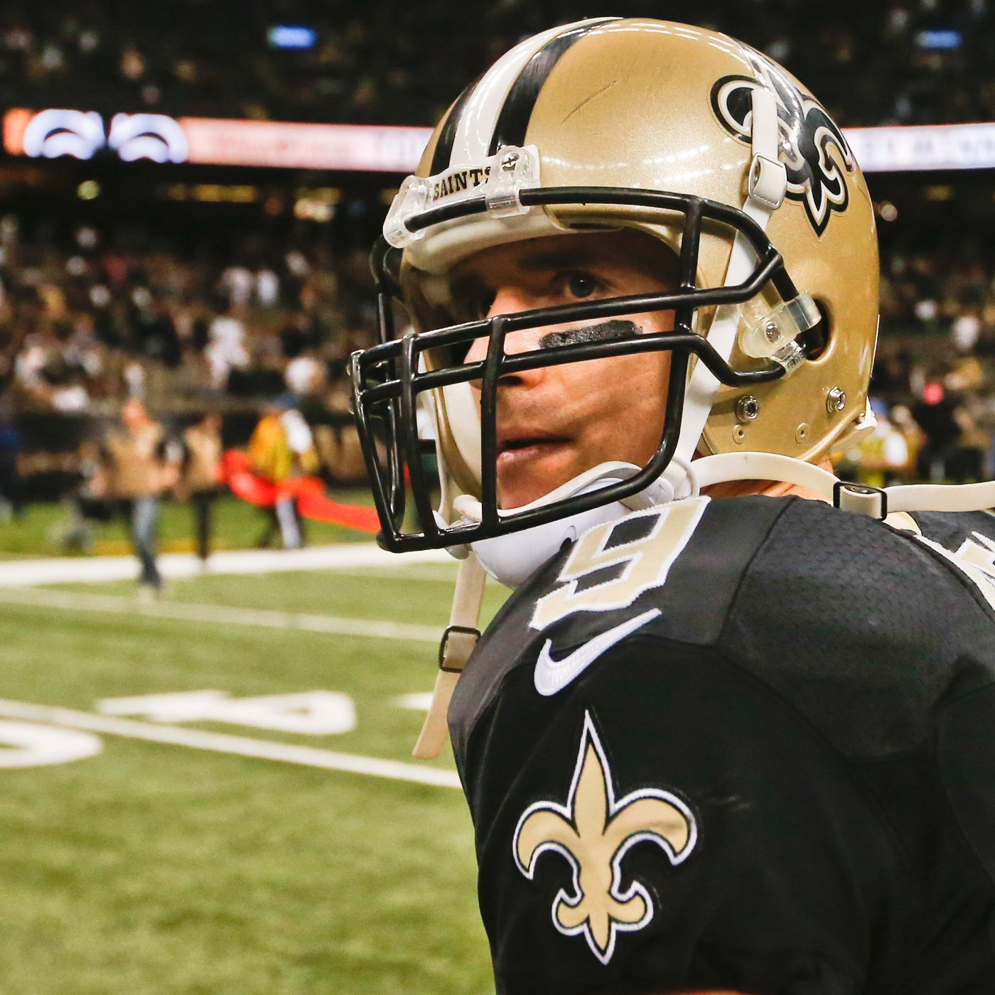 5f87030dc Drew Brees Will Pass Dan Marino in Career Passing Yards and Passing TDs  This Season - Canal Street Chronicles