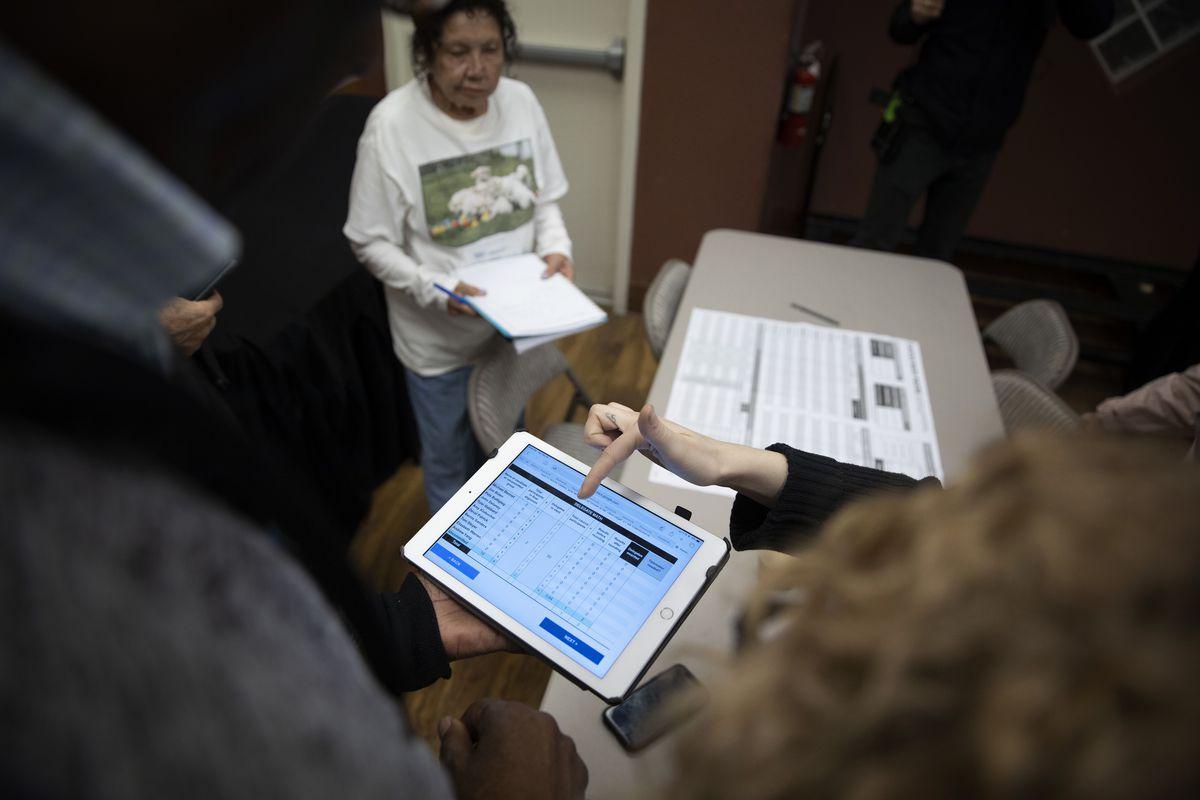 Caucus Volunteers Receive Training Before Nevada Votes In Presidential Primary
