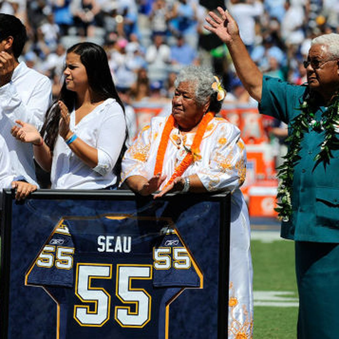 9ea0e3d18 NFL Weekend  NFL Goes Dark On Seau Family... - Turf Show Times