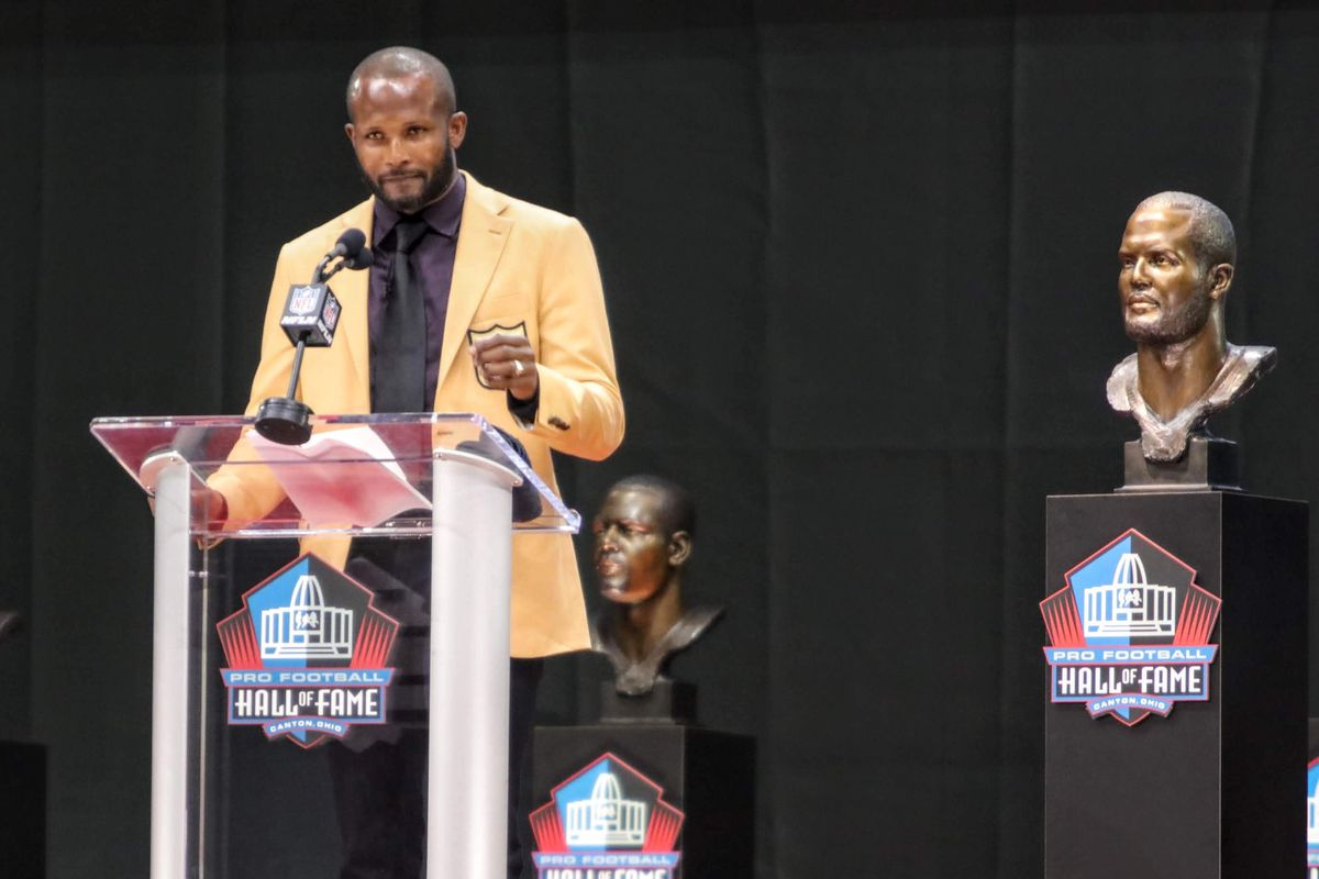 separation shoes d8a21 90f66 Donning his gold jacket, Champ Bailey delivers powerful Hall ...