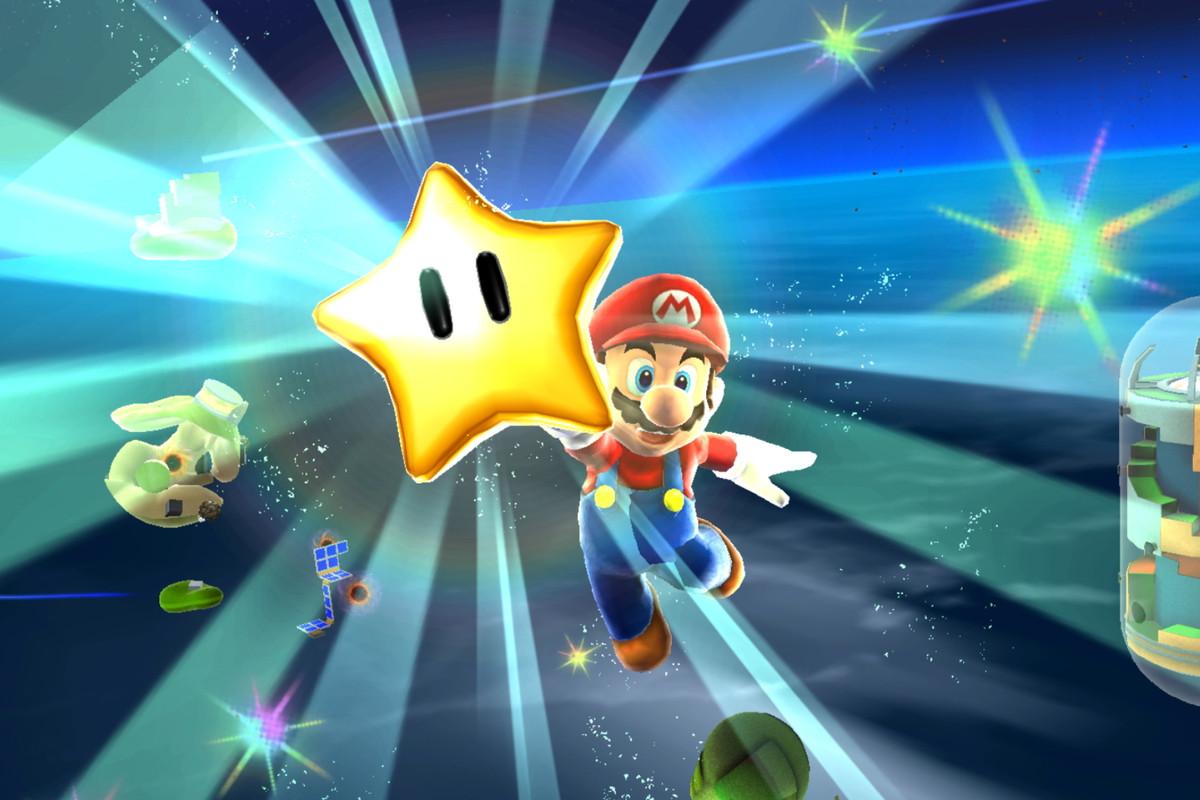 Super Mario with a star in Super Mario Galaxy