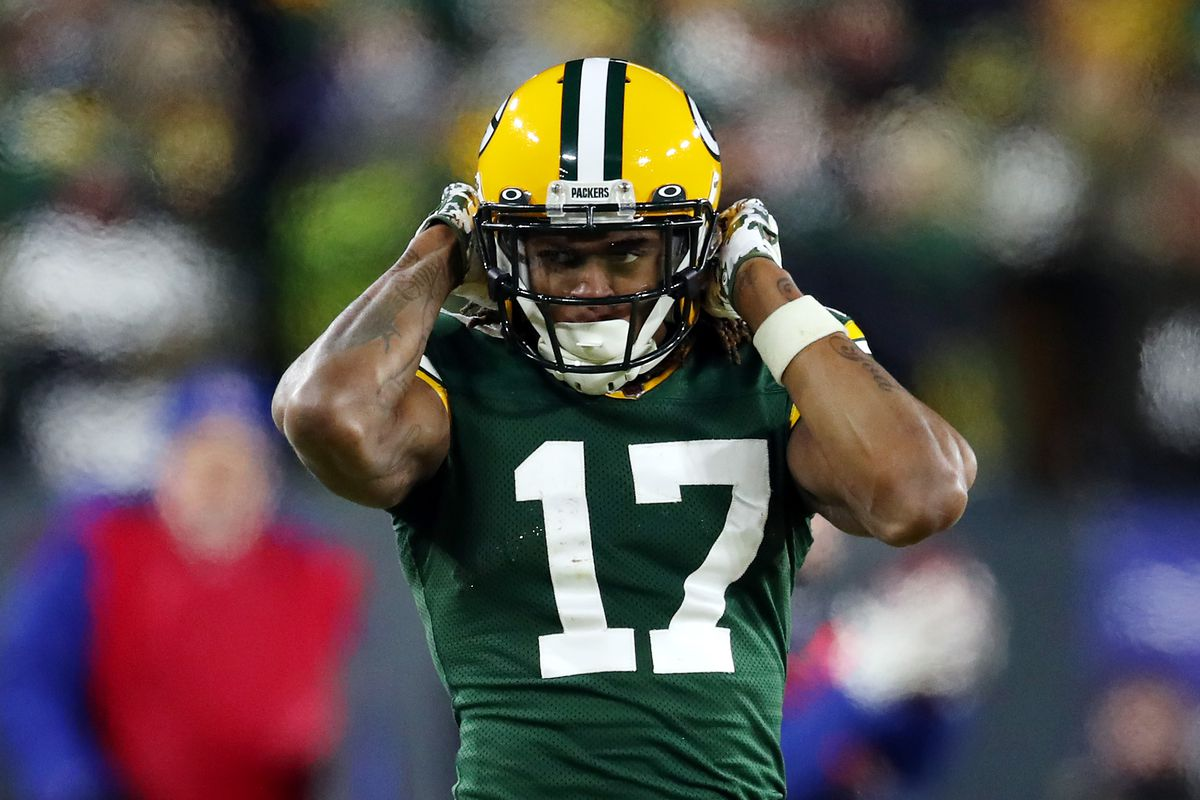 Davante Adams #17 of the Green Bay Packers reacts after making a reception during the fourth quarter against the Seattle Seahawks in the NFC Divisional Playoff game at Lambeau Field on January 12, 2020 in Green Bay, Wisconsin.