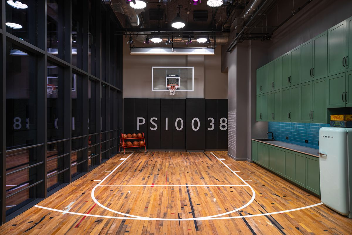 Recreation Opens In Moxy Hotel With A Basketball Half Court In Fidi Eater Ny