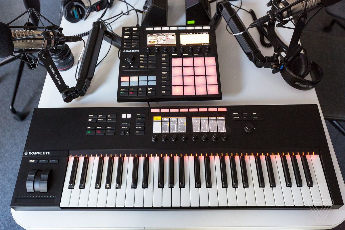 Native Instruments New Maschine Mk3 Has Color Screens And