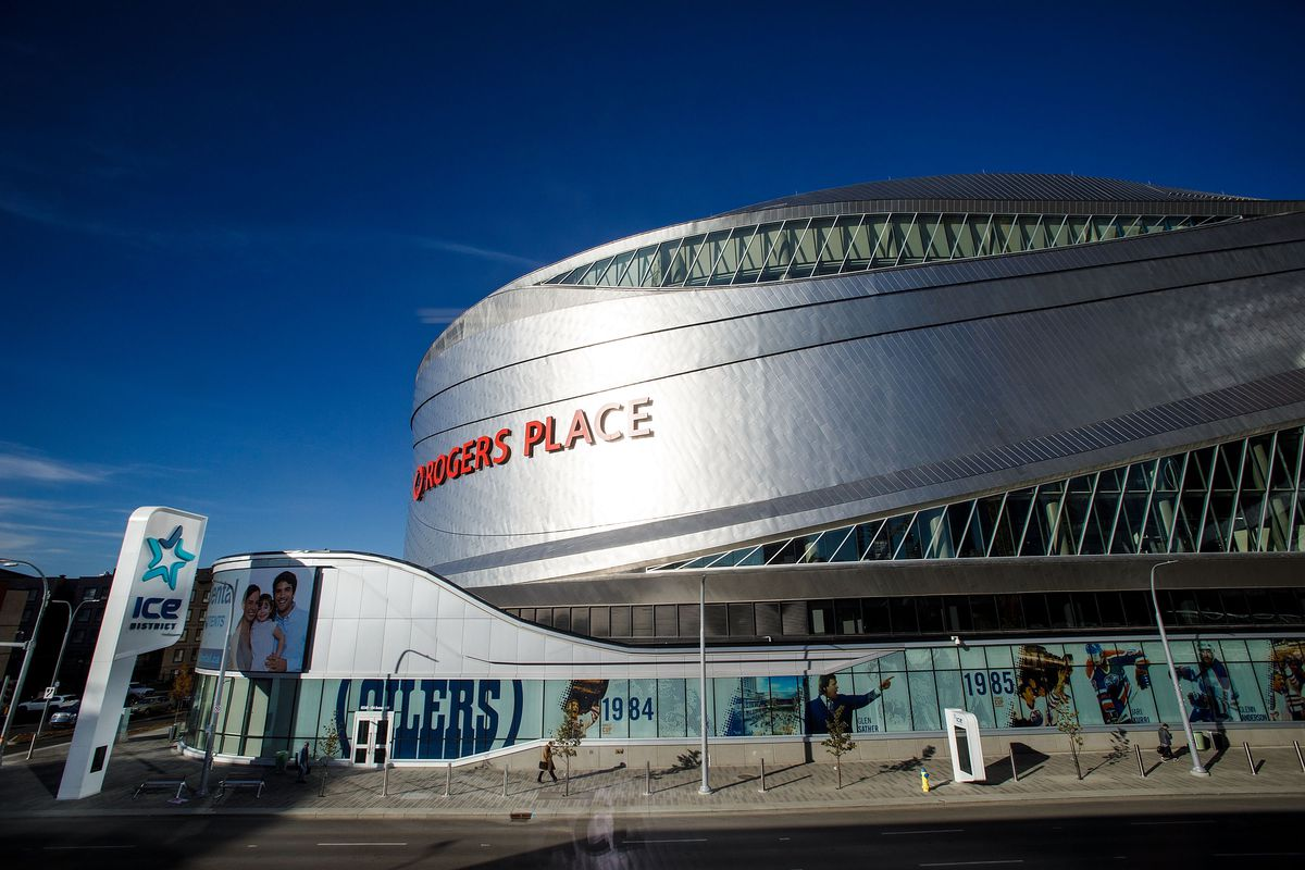 Calgary Flames v Edmonton Oilers