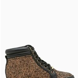 """<a href=""""http://www.nastygal.com/product/hot-step-sneaker/_/searchString/shoe%20cult"""">Hot Step Sneaker Sneaker</a>, $78"""