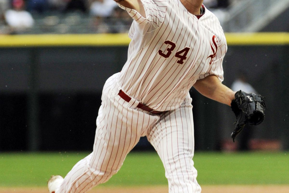 August 26, 2012; Chicago, IL, USA; Chicago White Sox starting pitcher Gavin Floyd (34) pitches against the Seattle Mariners in the first inning at U.S. Cellular Field. Mandatory Credit: David Banks-US PRESSWIRE