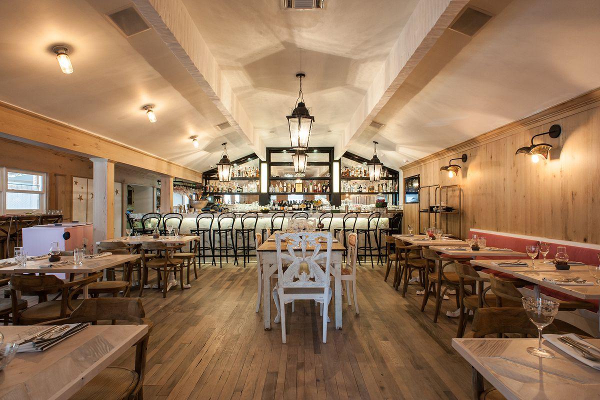 jessica biel s restaurant au fudge in west hollywood closes after