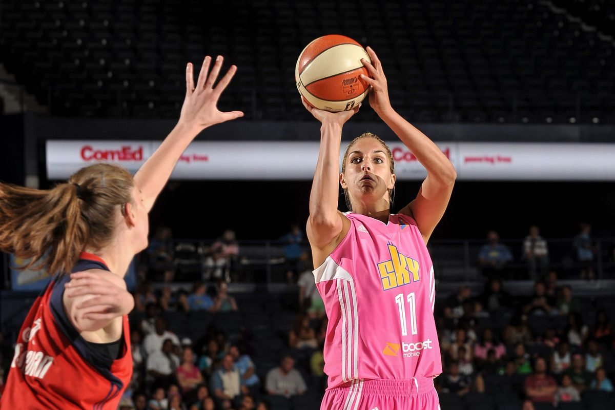 Elena Delle Donne scored 21 points in just 16:23 in the Chicago Sky's win on Sunday.