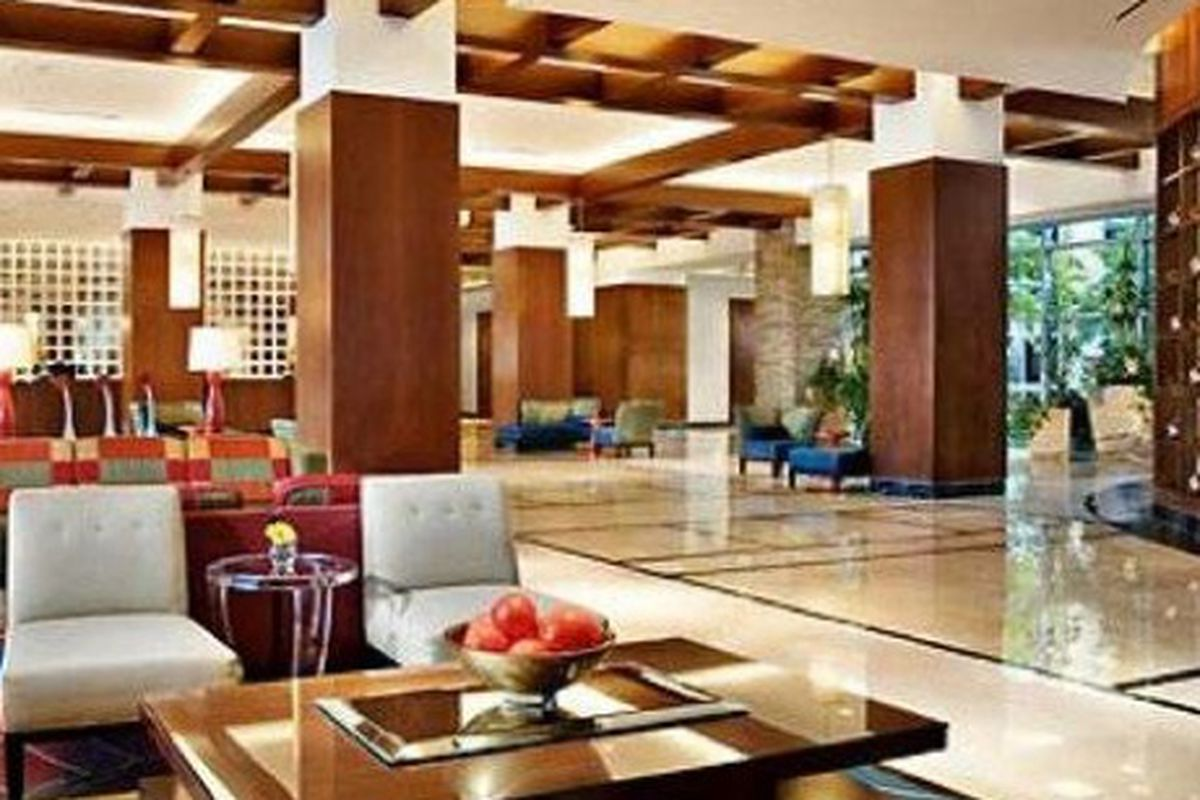 Renaissance lobby.