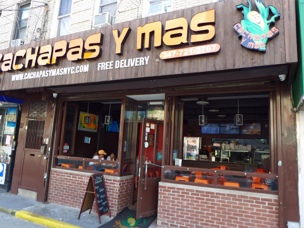 With A Front Open To The Breezes In Fine Weather Cachapas Y Mas Refers Caracas Street Crepe
