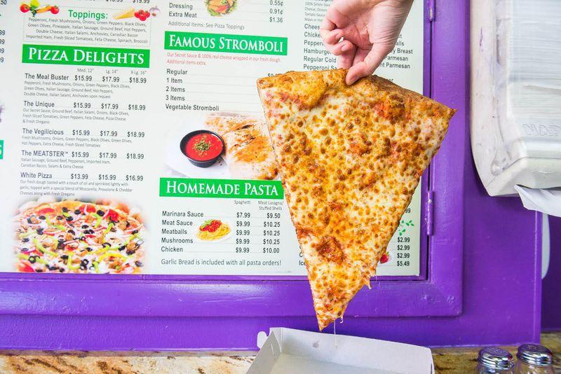 Dulcinni's Pizza DC slice