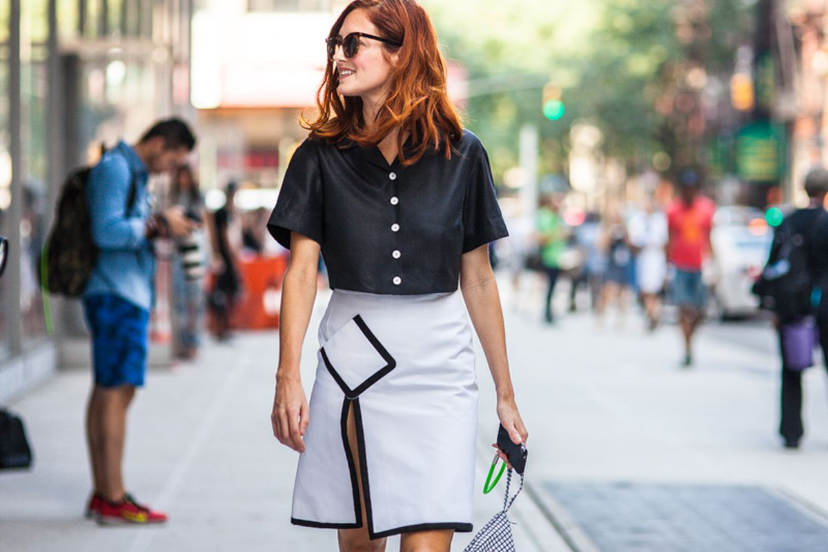 "Street style at New York Fashion Week. Photo via <a href=""http://peladopelado.com/"">Driely S.</a>"