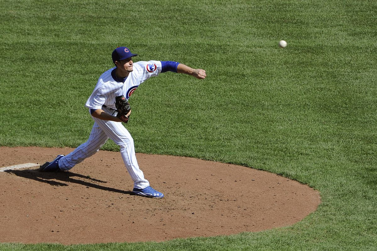 Chris Rusin of the Chicago Cubs pitches against the Pittsburgh Pirates at Wrigley Field in Chicago, Illinois. (Photo by David Banks/Getty Images)