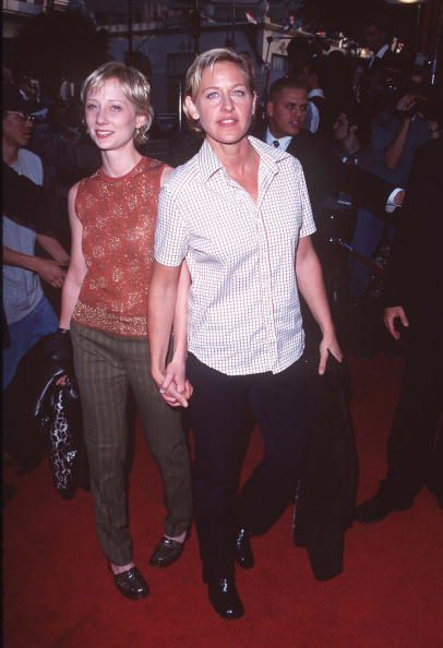 Ellen DeGeneres and Anne Heche on the red carpet for 'Face/Off'