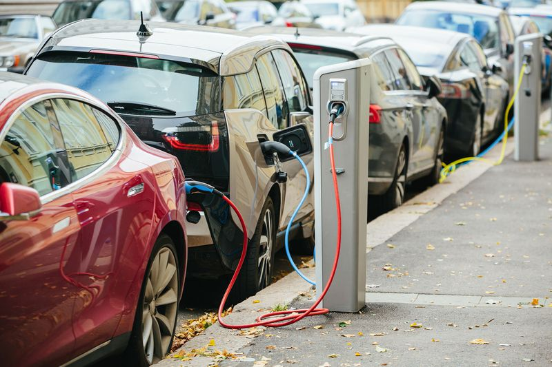 shutterstock_515877400 Electric vehicles are going to render the fight over fuel economy standards moot