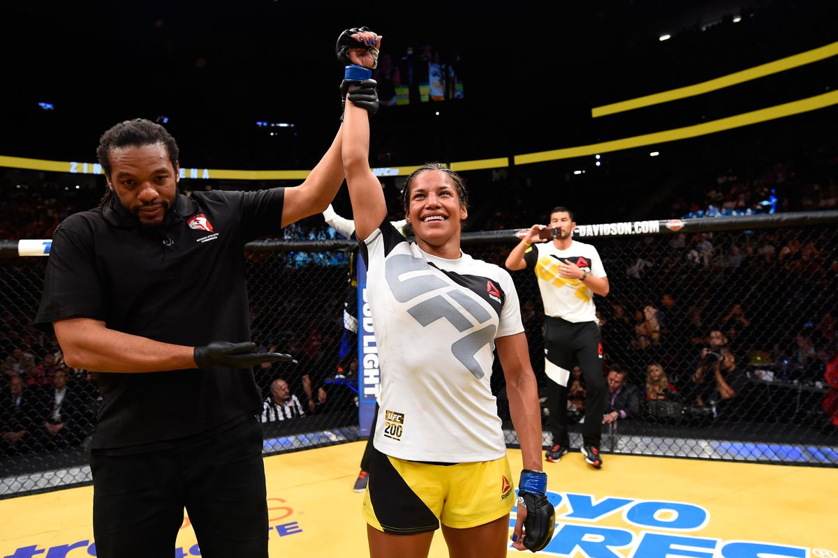 UFC 200: Zingano v Pena