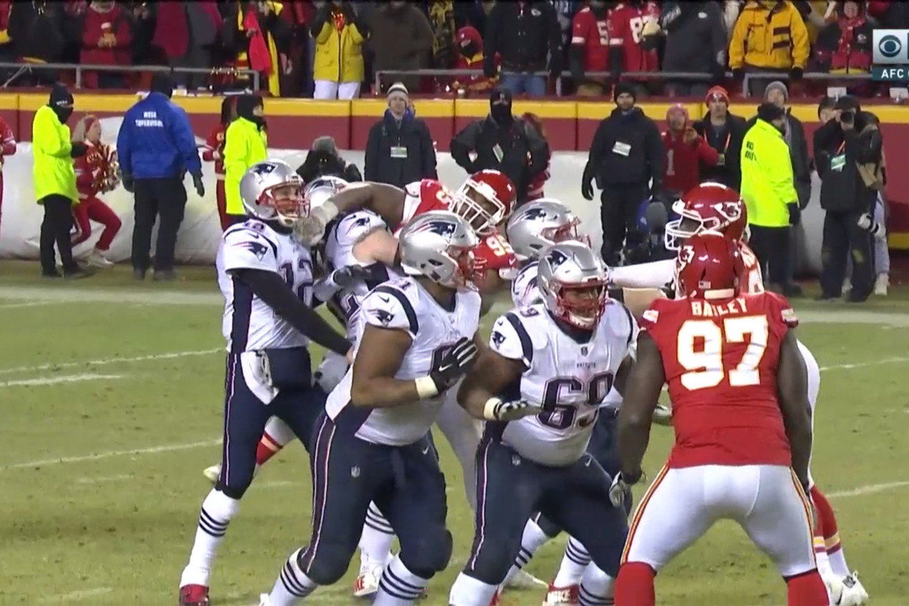 Screen Shot 2019 01 20 at 6.20.48 PM  2 .0 - Tom Brady gets an iffy roughing the passer call that Patrick Mahomes didn't